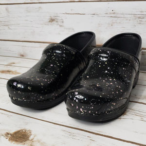 DANSKO XP Professional Paint Splatter Clogs
